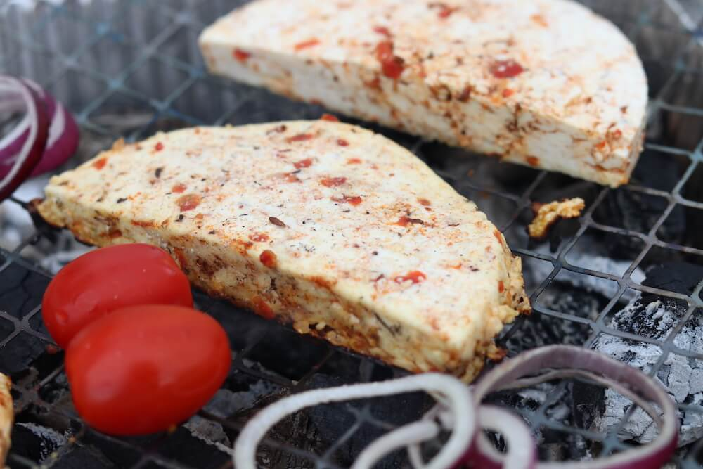 grillkaese-auf-dem-rost