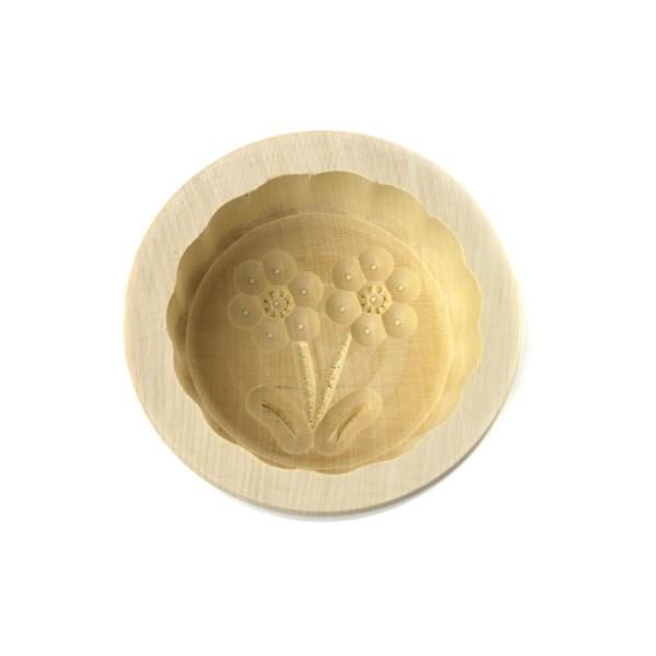Butterform rund 60 g, aus Ahornholz, 8 cm, Motiv Blume D